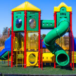 L'importance D'utiliser Des Tapis De Gazon Synthétique Dans Les Zones Pour Enfants